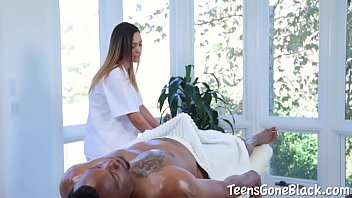 Jaye Summers Enthusiastically Tries First Huge Dick