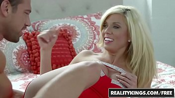 RealityKings - Milf Hunter - Johnny Castle Pa - Play House