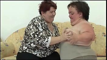 Lezbilicious Midgets #1 - Tiny lesbian seduces housewife next door