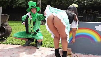 BANGBROS – Leprechaun With Big Dick Pounds Curvy Latin Mamacita Rose Monroe
