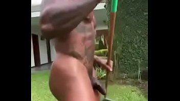Jardineiro nu