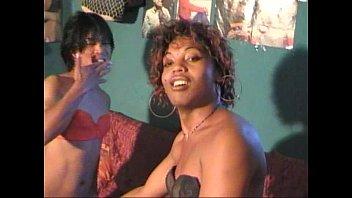 "Mada Trans transexuelle video tranny black Madagascar <span class=""duration"">15 min</span>"