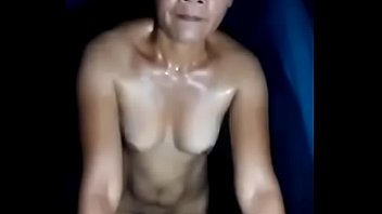 Hot submissive mature pinay talks to camera as she cums