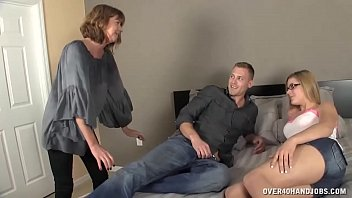 Milf Gets Horny To See  Young Couple On The Bed porno izle