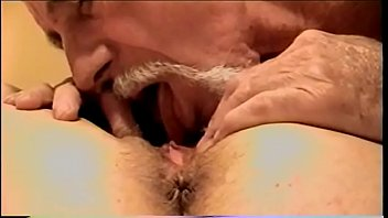 I LOVE EATING HER PUSSY, IN THIS VIDEO  PUT THE CAM ON THE FOOT OF THE BED AND FILMED THIS HOT CUNT AND CLIT SUC