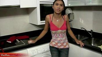 Feminine ladybo y maid fuck around the kitchen und the kitchen horny and wet
