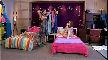 Brunette Lesbian Scene [레즈비언 웹캠 lesbian webcam]