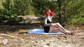 Outdoor Striptease Nina Devil 7 min