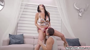 MILF stepmom Veronica Avluv having fun with her pussy