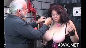 Admirable diva spreads her legs and masturbates