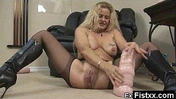 Amazing ty squats on dildo Auspicious charming astonishing fisting milf pounded