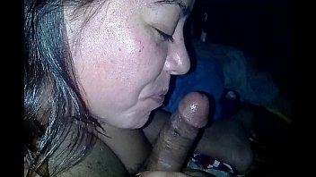 Amateur mom sucks black - Pinay swallows the whole thing