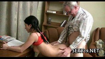 เด็กโง่ต้องโดนเย็ด จะได้ตั้งใจเรียนมากขึ้น Sexy lesson in wild seduction