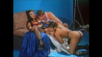 Vintage shops la Hot photo shoot set and vintage threesome for venere bianca