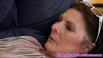 Bigbutt gilf fucked on the couch 6分钟