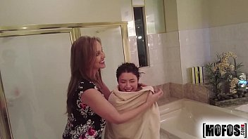 Mofos.com - Daisy Julia - Busted Babysitters 8 min