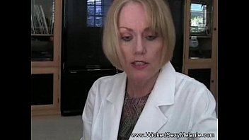 Femme mature moteur - Mom fucks her son the dcotor