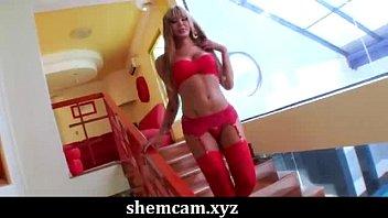 Transvestite shows Izadora ribeiro shows us her curves shemcam.xyz