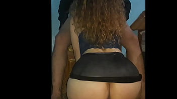 Thick latina was so horny at the party and she got caught on webcam sucking a random cock and shows her huge ass on the cam 5分钟