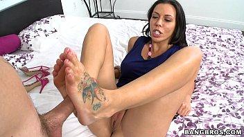 Sucking Rachel Starrs Toes