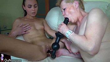 Skinny lesbian wrinkled grannies fucking with amazing sweet girls Vorschaubild