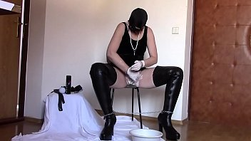 Surprise for my Master: Shaving pussy