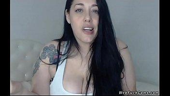 Huge tits babe masturbates on cam