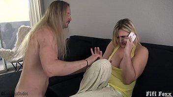 Mom Gets Fucked By Sleepwalking Son - Fifi Foxx & Cock Ninja 12分钟