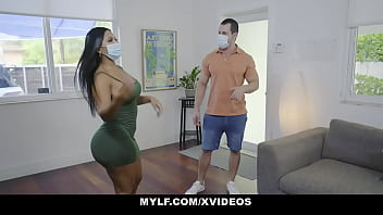 Hot Milf Agent Rose Monroe Will Do Anything To Seal The Deal