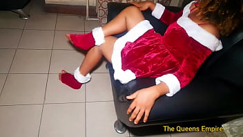 Fucking and creampie for miss santa Claus on Christmas day