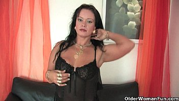 Mothers clitoris Chubby soccer mom in stockings works her hard clit