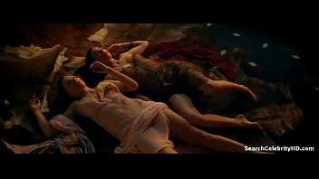 Lucy Lawless Jaime Murray In Spartacus Gods The Arena 2012