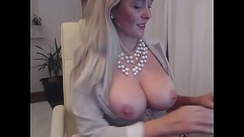 Hottest office lady  showing big ass on cam