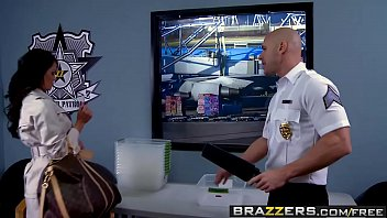 Brazzers - b. Got Boobs -  Airport Secur-Titty scene starring Savannah Stern and Johnny Sins