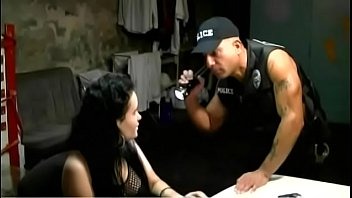 UNIFORMED OFFICER MAXXX LOADZ CALLED TO A SCENE FOR A TRESPASSER ! MAXXX LOADZ AMATEUR HARDCORE VIDEOS