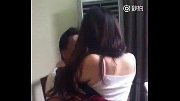 江苏淫官与小姐在餐馆内当众做爱 模仿日本AV (3) - YouTube (480p) 2分钟