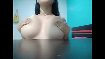 Siskaeee play tits