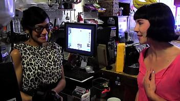 HD cafe toilet lesbians thumbnail