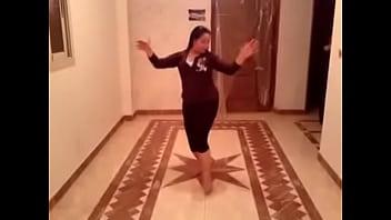 زينب شرموطة امبابة رقص و هيجان 2 صورة