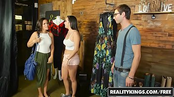 RealityKings - Money Talks - More Than Retail 8 min