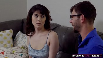 MomsTeachSex - StepSiblings Practice Fucking With StepMom S8:E2