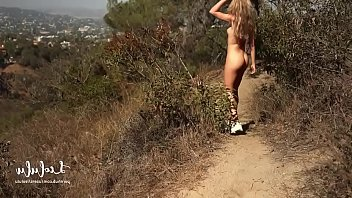Perfect outdoor sex with stunning girl 12分钟