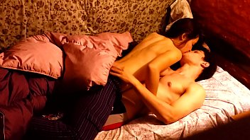 Real and romantic sex at home. My boyfriend is very hot and it comes to me ...