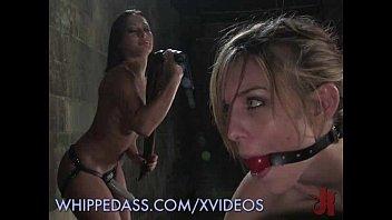 Felonie naked - Lesbian sm session
