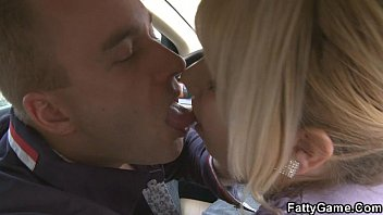 Sexy BBW gives head in the car then gets fucked Image
