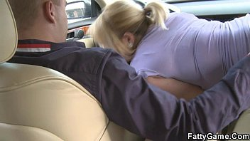 Girl gives random blowjob Sexy bbw gives head in the car then gets fucked
