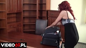 Polskie porno - Upojne chwile z gorącą asystentką
