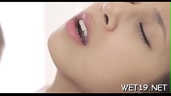 Young gals in porn videos 5分钟