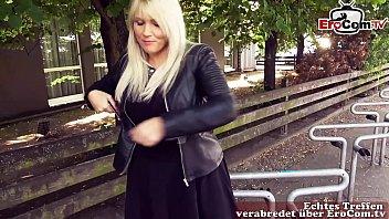 Dickes normales mädchen macht Usertreffen auf der Straße zeigt ihre titten und fickt outdoor ohne gummi pov