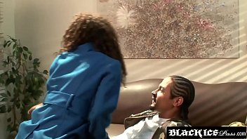 Pretty ebony Hydie Waters likes to take that bbc way in